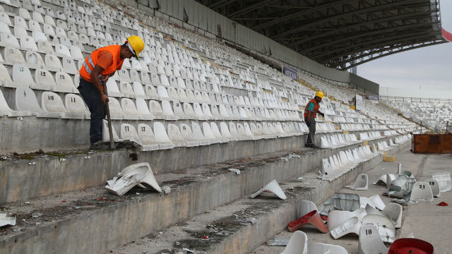 4 Eylül Stadyumu yıkılıyor