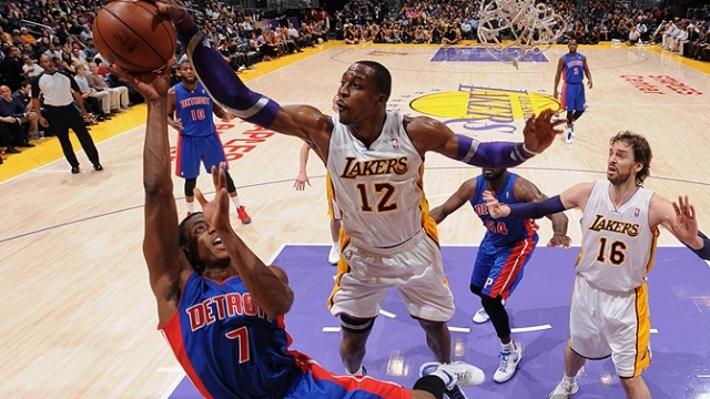 Lakers Evinde Kazandı