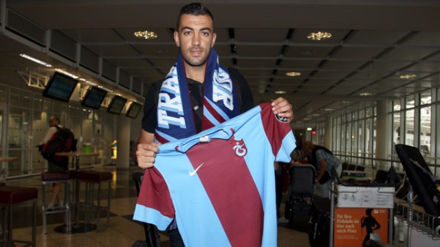 Trabzonspor'a Cezayirli geldi
