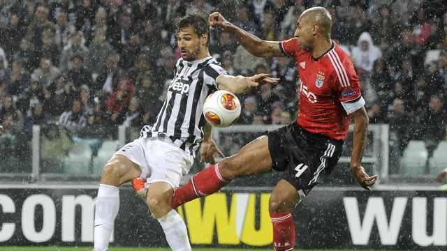 Benfica bileti kaptı!