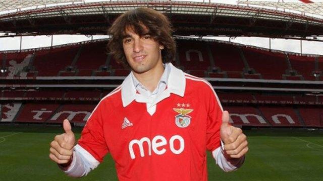Benfica 'kanat'landı