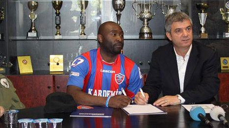 Karabkspor'a ngiltere'den Golc