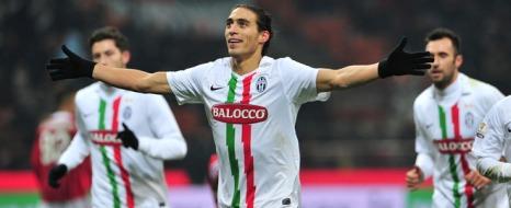 Uruguaylı Milano'yu Salladı