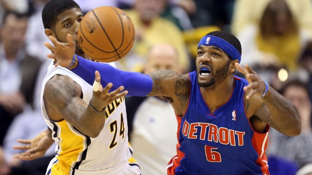 Pistons'tan Pacers'a çifte darbe