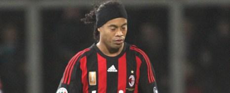 Ronaldinho Yuvaya Dönüyor