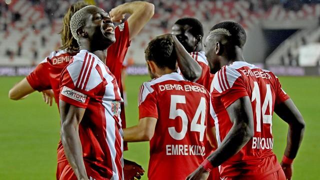 Sivasspor'un formu sürüyor