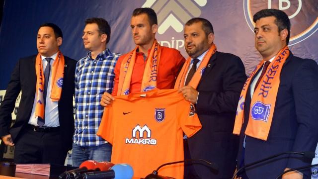 Başakşehir'da yabancı transfer