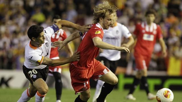 Sevilla son dakikada finale!