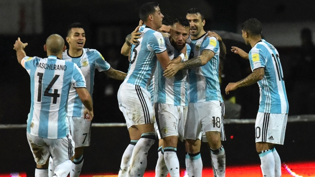 Messi'siz Arjantin paçayı zor kurtardı