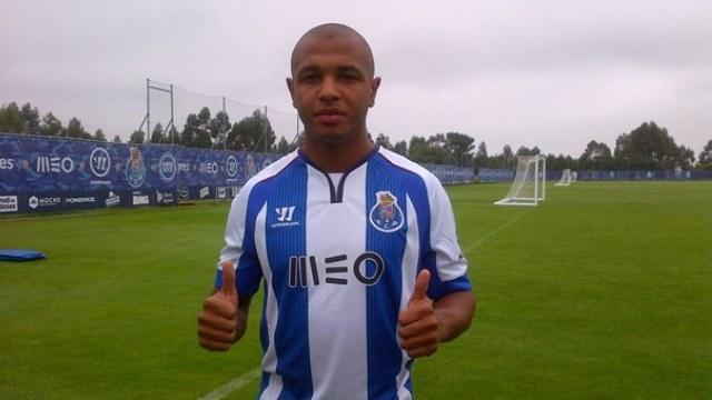 Brezilya'da parladı, Porto'ya gitti