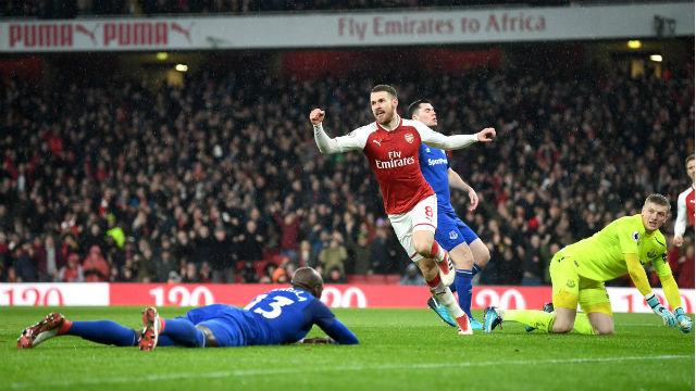 Arsenal güle oynaya