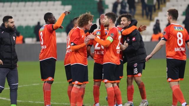 Adanaspor Bursa'da kazandı