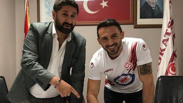 Ahmet Dursun, futbola 40 yaşında geri döndü