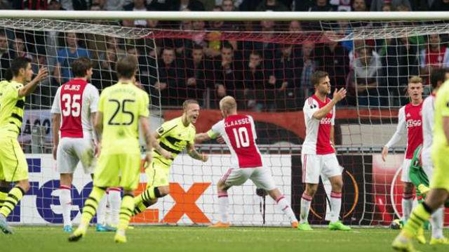 Ajax puanı zor kurtardı
