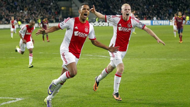 Ajax 10 kişi Barça'ladı