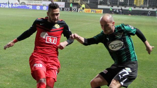Eskişehirspor kaçtı, Akhisar kovaladı!