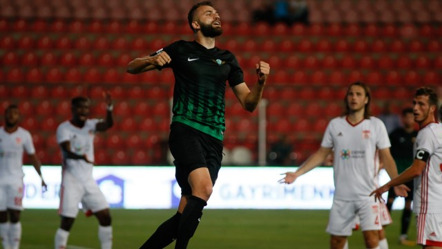 Akhisar, Sivas'ı tek golle geçti
