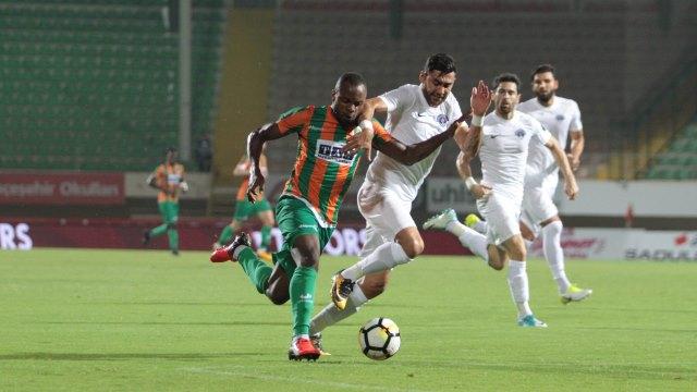 Paşa, Alanya'yı 3 golle geçti