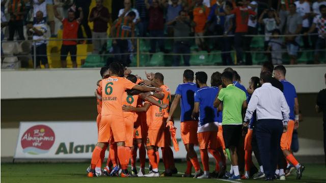 Trabzonspor tek golle yıkıldı