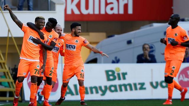Alanyaspor Bursaspor'u devirdi