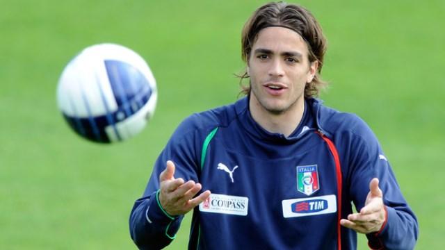Juventus eski golcüsünü aldı