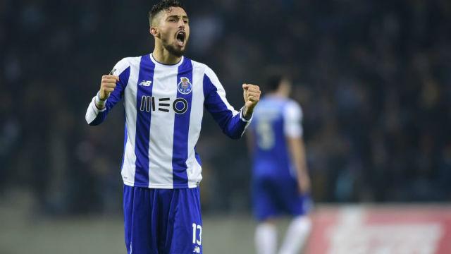 Galatasaray'a Alex Telles müjdesi