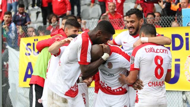 Antalyaspor, Gençlerbirliği'ni ateşe attı