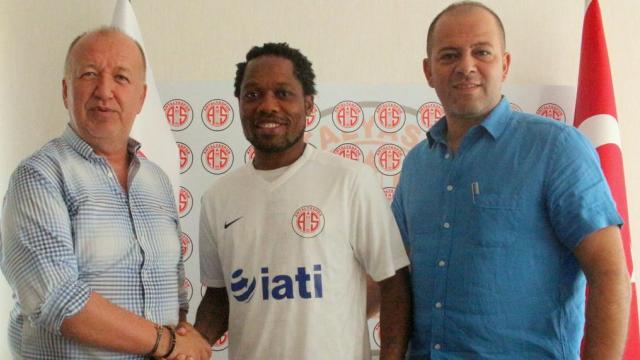 Antalyaspor'dan bir transfer daha!