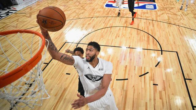 Anthony Davis'ten Suns potasına 53 sayı