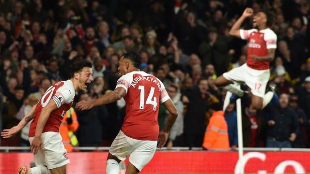 Mesut Özil, Arsenal'ı üç puana taşıdı