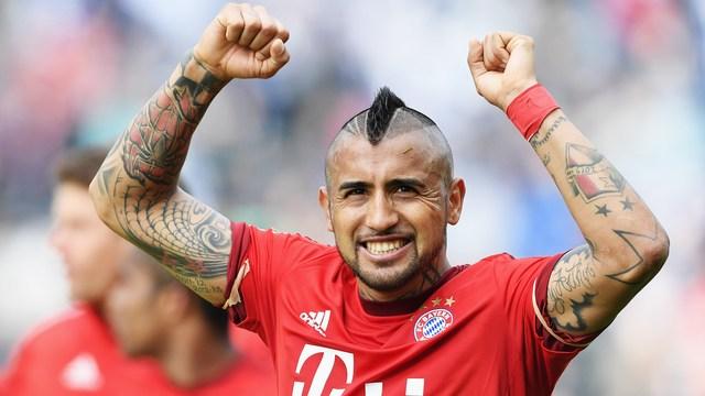 Vidal resmen Barcelona'da!