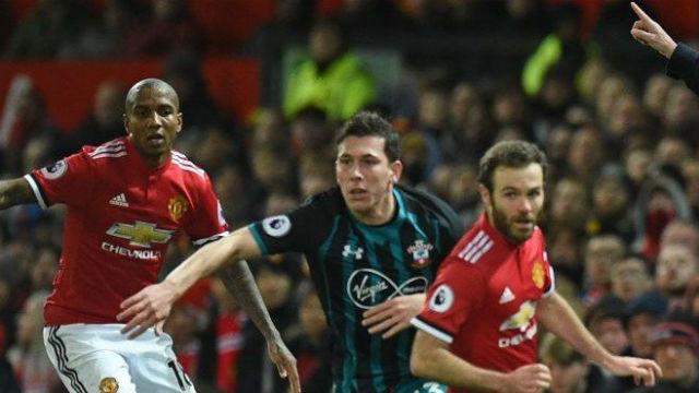 Manchester United beraberliğe abone