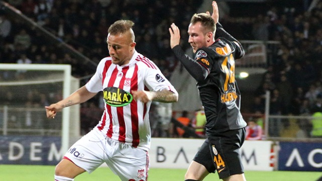 Sivasspor'dan sürpriz transfer