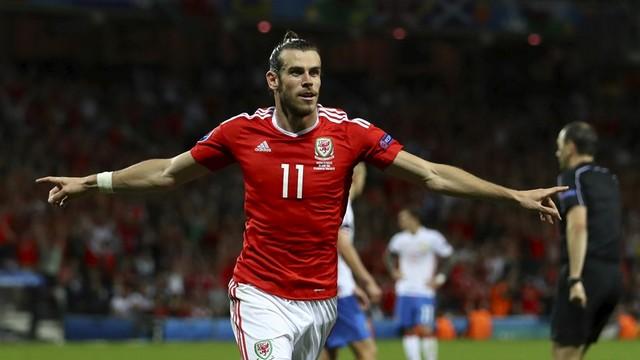 Robson-Kanu: Bale Ronaldo'dan daha iyi