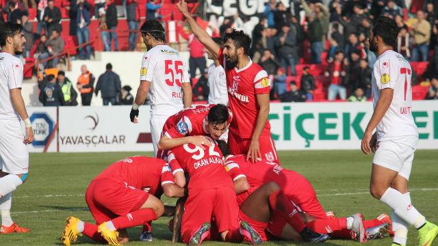 Balıkesirspor gol oldu yağdı