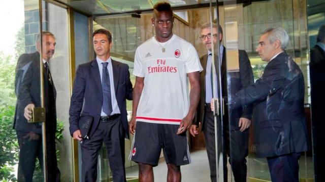 Ve Mario Balotelli yeniden İtalya'da!