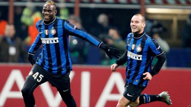 Sneijder Balotelli'ye sataştı!