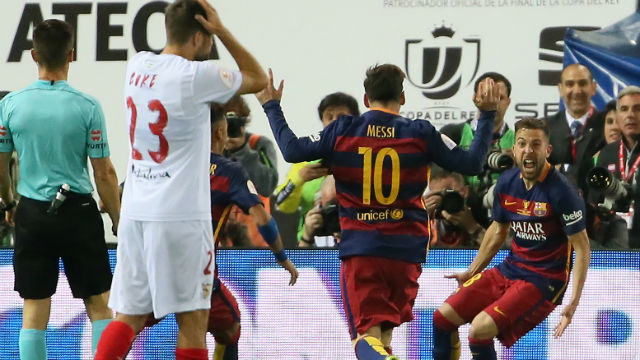 Barcelona kupayı uzatmada kaldırdı