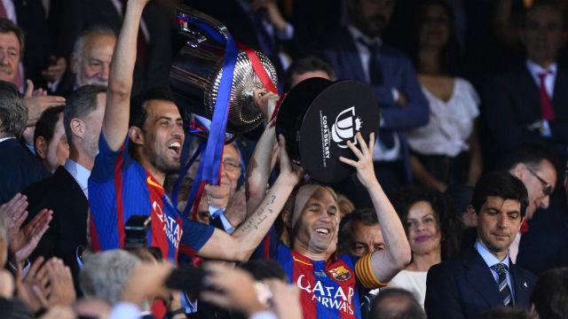 Barça kupayla bitirdi!