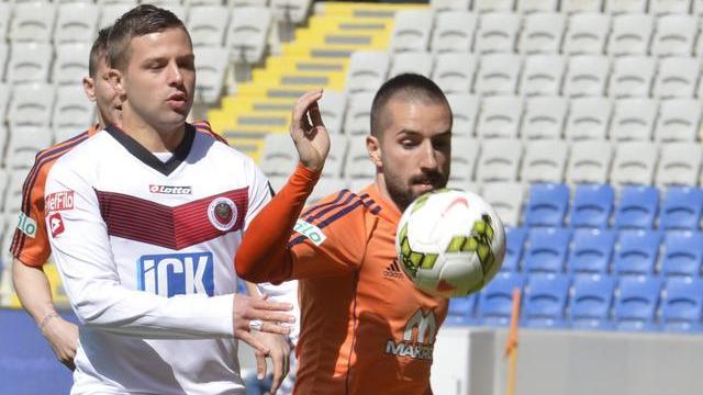 Başakşehir üç puanı üç golle aldı