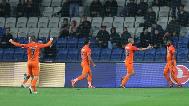 Başakşehir'den Cimbom'a 5 gol