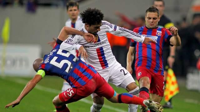 Basel fırsat tepti