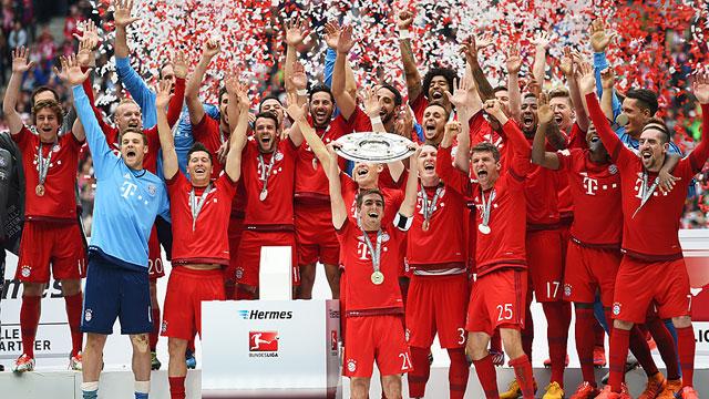 Bayern kupasını kaldırdı!