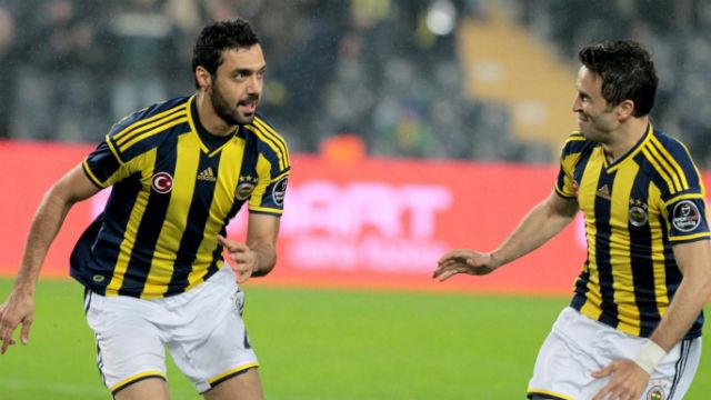 Fenerbahçe iki ismi ihraç etti