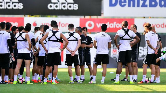 Beşiktaş kafilesi Konya'ya gitti