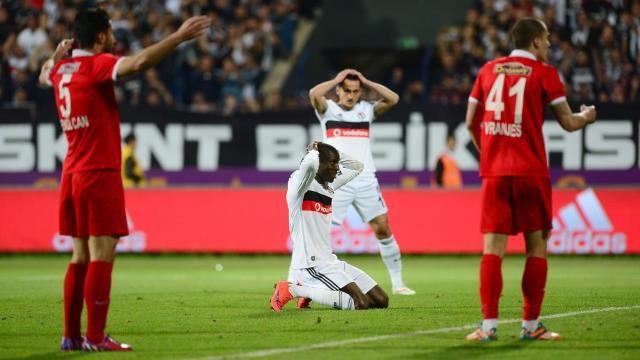Beşiktaş virajı alamadı!