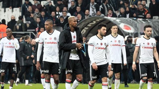 Beşiktaş, derbide ağır yara aldı