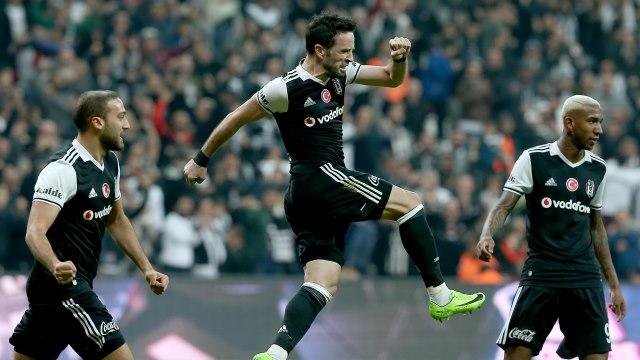 Beşiktaş zirveye 'gönül'lü