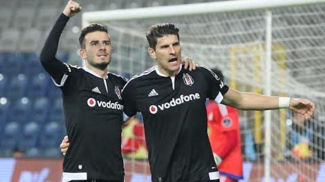 Beşiktaş zirveyi bırakmak istemiyor