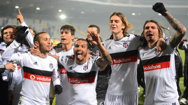 Beşiktaş'ta 4 imza birden